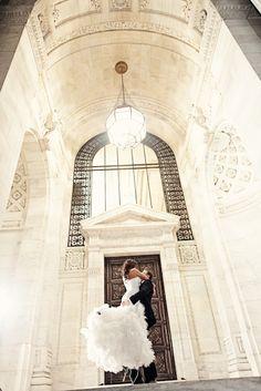 nyc, new york public library, library wedding, night wedding photos, city wedding photography, modern wedding photos, groom picking bride up, contemporary wedding gown, modern bridal portraits, www.rawphotodesign.com