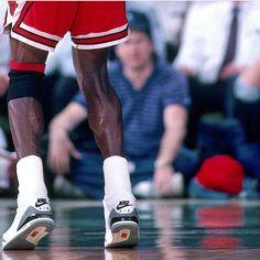 "445 Likes, 2 Comments - Michael Jordan (@michaelairjordans) on Instagram: ""#michaeljordan #michaelairjordan #airjordan #airjordanshoes #chicagobulls #nike #bulls #basketball…"""