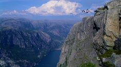 Base jumping in Norway Full Hd Wallpaper, Widescreen Wallpaper, Desktop Wallpapers, Cliff Diving, Base Jumping, Fjord, Inspirational Wallpapers, Inspiring Quotes, Skydiving