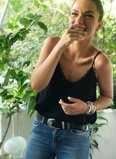 Crazy Girls, Happy Girls, Greek Tv Show, Tv Shows, Camisole Top, In This Moment, Tank Tops, Casual, Female Celebrities