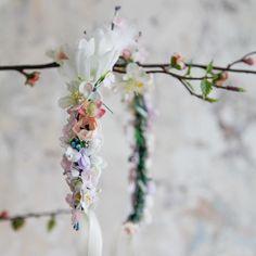 Handmade flower crown from Vienna. ❤ Exclusive custom made wedding crowns for brides ❤ Blumenkranz handgemacht in Wien anfertigen lassen. Boho, Handmade Flowers, Flower Crown, Spring Flowers, Headpiece, Designer, Bridesmaid, Wedding, Jewelry