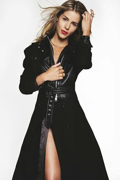 tanya-posts: A few photos of Emily Bett Rickards in all leather clad femme fatale mode. As they say, Smoaking hot! Emily Bett Rickards, Arrow Felicity, Felicity Smoak, Beautiful Celebrities, Most Beautiful Women, Beautiful People, Miley Cyrus, Blonde Actresses, Canadian Actresses