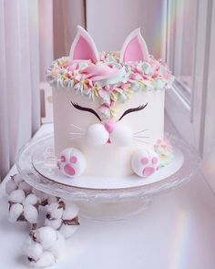 Secrets To A Perfect Cake on How cute is this Love the details. Secrets To A Perfect Cake on How cute is this Love the details. This cat looks so adorable! Cute Birthday Cakes, Beautiful Birthday Cakes, Beautiful Cakes, Amazing Cakes, Cat Birthday, Baby Girl Birthday Cake, Cakes For Kids, Birthday Cakes For Girls, Bithday Cake
