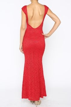 *** Laced Evening Dress *** Laced evening dress with glitter detail and low-cut back. Lined.