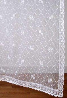 Lace Panels Cotton Nottingham Style Daisy Trellis