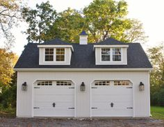 "High Street Market: Our New Carriage House. Check out this whole project. Love this carriage house (sounds so much nicer than garage!)- would be perfect as the & detached ""garages"", plus storage, while garages 1 & 2 are attached. Carriage House Garage, Carriage Doors, Barn Garage, Garage Plans, Garage Studio, Garage Workshop, Dream Garage, Garage Attic, Small Garage"