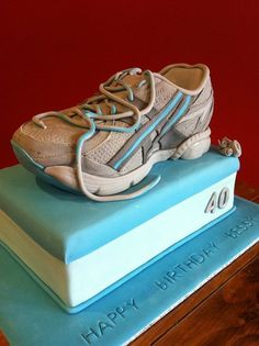 The Running Shoe Cake with Pictorial
