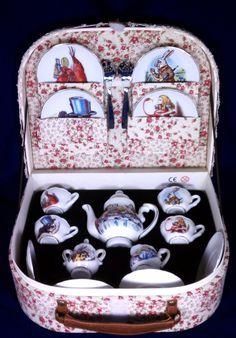 Alice in Wonderland Mini Tea Set! Childrens Tea Sets, Alice In Wonderland Tea Party, Teapots And Cups, Teacups, Best Tea, Mad Hatter Tea, My Tea, Vintage Toys, Tea Time