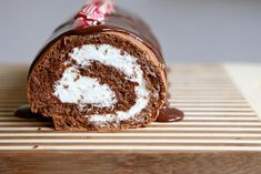 Gluten-free chocolate peppermint roll with chocolate ganache.I'm thinking about chocolate almond for a New Year party. Peppermint Cake Roll, Chocolate Peppermint Cake, Chocolate Roll Cake, Chocolate Ganache, Sweet Recipes, Cake Recipes, Dessert Recipes, Just Desserts, Delicious Desserts