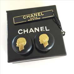 Vintage 1995 CHANEL Madame Coco Chanel Gold Silhouette Clipped On Earrings   #vintageCHANEL #CHANEL #vintageCHANELearrings #vintageCCearrings #vintageCCCHANELearrings #vintageCHANELpearlearrings #CHANELpearlearrings #vintageCocoChanelearrings #MadameCocoCHANELearrings