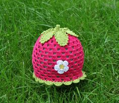 """Mütze """"Erdbeere"""" KU 51-52 cm von Häckelblume auf DaWanda.com"""