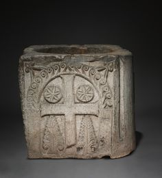 Well Head, 700s-800s Lombardic, Italy, Venice(?), Migration period limestone, Overall - h:66.70 w:77.50 d:79.40 cm (h:26 1/4 w:30 1/2 d:31 1/4 inches) Wt: 1150 lbs.. Gift of the John Huntington Art and Polytechnic Trust 1916.1982.