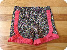 If I could sew I'd make about a thousand pairs of these confetti shorts for myself!