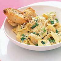 Peas and Cheese Tortellini - I really need EASY meals for the weeknight that are kid friendly :)