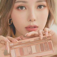 Korea Makeup Tutorial, Makeup Looks Tutorial, Ulzzang Makeup Tutorial, Eyeliner Tutorial, Eye Tutorial, Korean Eyeshadow, Korean Lip Tint, Korean Makeup Look, Asian Eye Makeup
