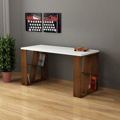 Extraordinary wooden desk drawers sticking just on smart homefi design Unique Home Decor, Home Decor Styles, Home Decor Items, Home Office Desks, Office Furniture, Furniture Design, White Desks, Wooden Desk, Desk Space