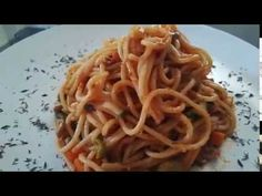 Today I prepared Spaghetti with Jamaican tin Mackerel. I also added veggies. It was quick and easy so I do hope you all will try it ! Tinned Mackerel Recipe, Mackerel Recipes, Jamaican Cuisine, Jamaican Recipes, Creole Kitchen, Caribbean Recipes, Spaghetti, Veggies, Ethnic Recipes