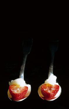 470, El Bulli, 1998, snacks, fresas con granizado de parmesano (strawberries with parmesan water-ice)