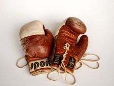 Vintage Leather Boxing Gloves / Sports Collectibles / 70's