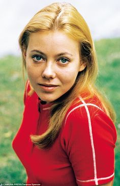 Interview with Jenny Agutter from Call The Midwife British Actresses, British Actors, Actors & Actresses, Logan's Run, American Werewolf In London, Beautiful People, Beautiful Women, Call The Midwife, Actrices Hollywood