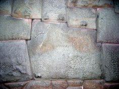 Sacsayhuaman 12 sided stone