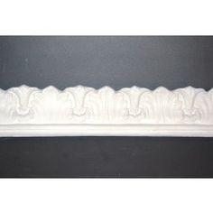 Stuk: Bladgesims støbt i gips. Mål loft 8 cm  væg 8 cm. Vare  Nr. 25. Pris pr. løbende meter.