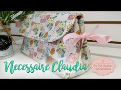 YouTube Summer Handbags, Handmade Purses, Sewing Art, Fabric Bags, Japanese Fabric, Sewing Techniques, Sewing Patterns Free, Fabric Painting, Cosmetic Bag