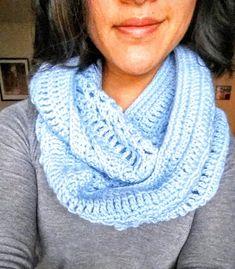 Crochet from J: Chunky Twisted Cowl free #crochet pattern
