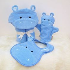 A super-soft sky blue hippo baby gift set. Set includes a soft hooded baby towel, a hippo baby bath mitt, and a sky blue baby bib. Baby Shower Gift Basket, Baby Baskets, Baby Shower Gifts, Baby Gift Sets, Baby Boy Gifts, Gifts For Boys, Baby Set, Cute Hippo, Safari