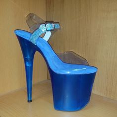 classic style upper in clear vinyl, translucent platform in royal blue color Hot High Heels, Sexy Heels, Stiletto Heels, Wedge Boots, Shoe Boots, Stripper Heels, Cute Sandals, Girls Shoes, Royal Blue