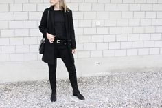 winter again.. // Mirjam from www.miiju.ch is wearing ZARA western belt, Acne Studios skinny Jeans, Acne Studios Jensen suede boots, Mansur Gavriel saddle bag, Topshop coat