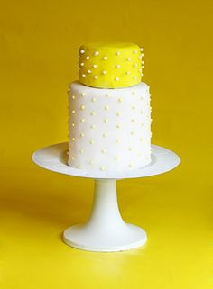 mini wedding cakes. Sweet and simple