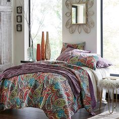 Autumn welcomes in a change of season that seems to beckon in luxurious bedding in rich velvets and cozy flannels. Top your bed with a gorgeous oversized quilt in a sumptuous velvet, then toss on a faux fur throw across the end to add to the luxurious look.