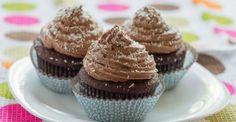 Cupcakes cu ciocolata si nuca de cocos