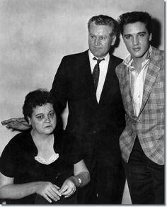 Gladys, Vernon and Elvis Presley