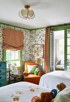 Old-school decorating gets a contemporary kick at Kate Rheinstein Brodsky's dreamy Hamptons getaway Hamptons House, The Hamptons, Casa Kids, Long Sofa, Weekend House, Painted Floors, Architectural Digest, Living Room Sofa, Kids Bedroom