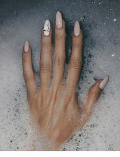 How to choose your fake nails? - My Nails Beige Nails, Soft Nails, Aycrlic Nails, Nude Nails, Nail Manicure, Almond Acrylic Nails, Summer Acrylic Nails, Best Acrylic Nails, Almond Nails