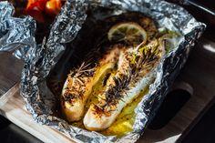 Fóliában sült, citromos, fűszeres halszelet: vajpuha lesz, és igen finom Cheesesteak, Fish Recipes, Grilling, Cooking, Ethnic Recipes, Food, Tv, Crafts, Food Packaging