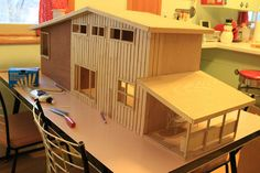 Midcentury Dollhouse - diy build from McCalls pattern