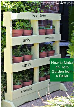 Getting ready for Spring Projects and Pallet Projects? The perfect herb garden made from a pallet, full tutorial with pictures! | PinkWhen