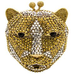 Amazing is the only way to describe this Butler & Wilson Swarovski Crystal Leopard Head Clutch Bag.  Featuring Swarovski crystal,  it is a perfect addition to any bag lovers collection!