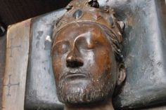 Richard I the Lion Heart the son of Henry II of England died on April 6 1199, in Châlus, Haute-Vienne France. His heart was placed in the Cathedral of Rouen, his body in Fontevraud Abbey in the Loire Valley