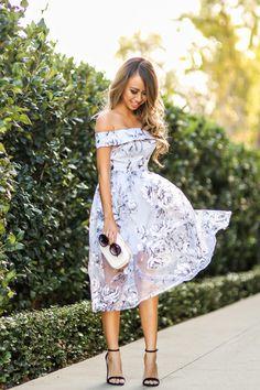 i2.wp.com laceandlocks.com blog wp-content uploads 2015 04 lace-and-locks-petite-fashion-blogger-floral-off-the-shoulder-dress-04.jpg