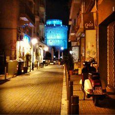 Θα έχει μπλε φεγγάρι λένε! #thessalonians #thessaloniki #blue #moon #skg #whitetower #summer #fullmoon #beaterGR Amazing Destinations, Homeland, Greece, Places To Visit, Journey, City, Instagram Posts, Beautiful, Thessaloniki