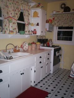 1940's Kitchens in Rupert's Cafe Forum