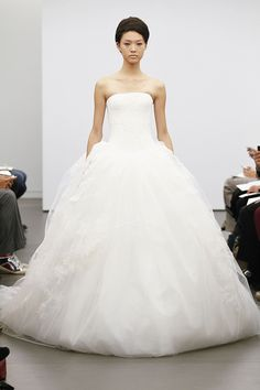 Vera Wang Fall 2013   My Dress of the Week by Belle The Magazine