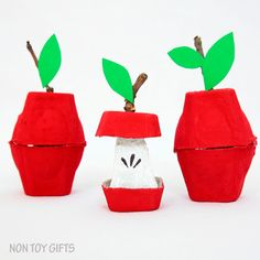 Egg carton apple craft. Simple fall craft to try with kids. A nice craft that uses recyclable items | at Non Toy Gifts
