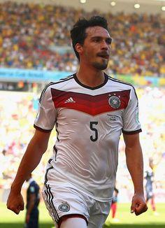 Mats Hummels, Germany (2010-..., 36 apps, 4 goals). Hummels celebration after scoring. 2014 FIFA World Cup Brazil quarter final : France vs Germany 0-1.