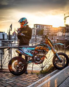 From a motorcycle seat, the world looks very different. Ktm Dirt Bikes, Dirt Bike Helmets, Cool Dirt Bikes, Dirt Bike Gear, Motorcycle Bike, Dirt Biking, Motorcycle Quotes, Triumph Motorcycles, Custom Motorcycles