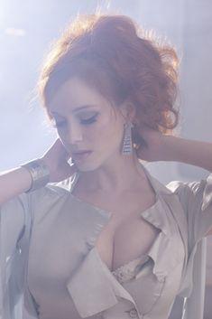 Christina Hendricks for Vivienne Westwood's jewelry - Style has No size